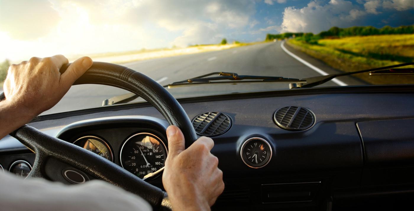 Asociación DIA: España debería prohibir fumar en el coche