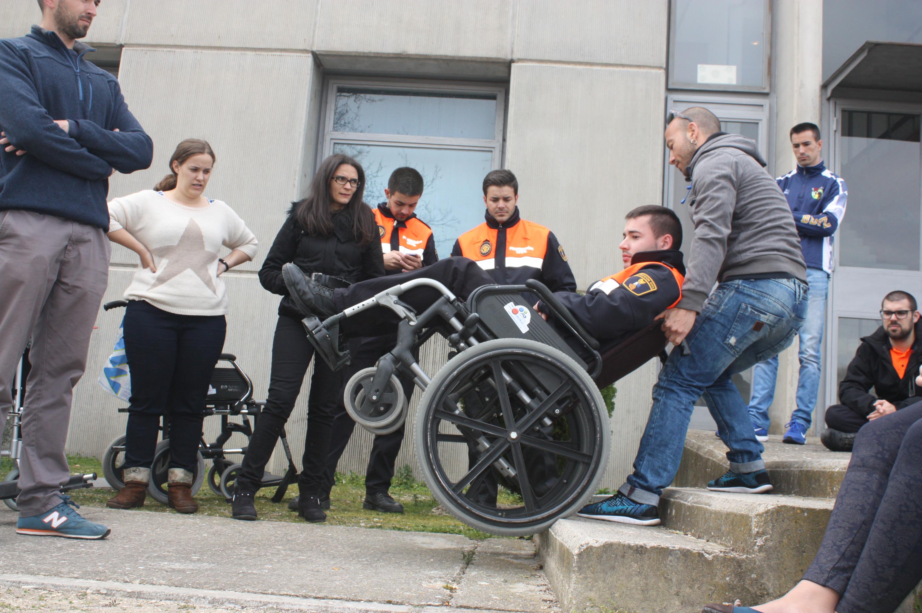 curso-emergencias-personas-con-discapacidad-2