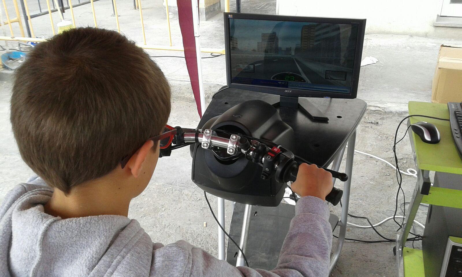 Simulador moto - Fundtrafic -Cemex Family Day