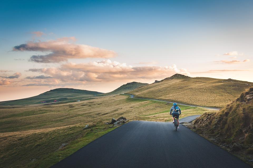 Interior presenta medidas para reducir la accidentalidad de los ciclistas