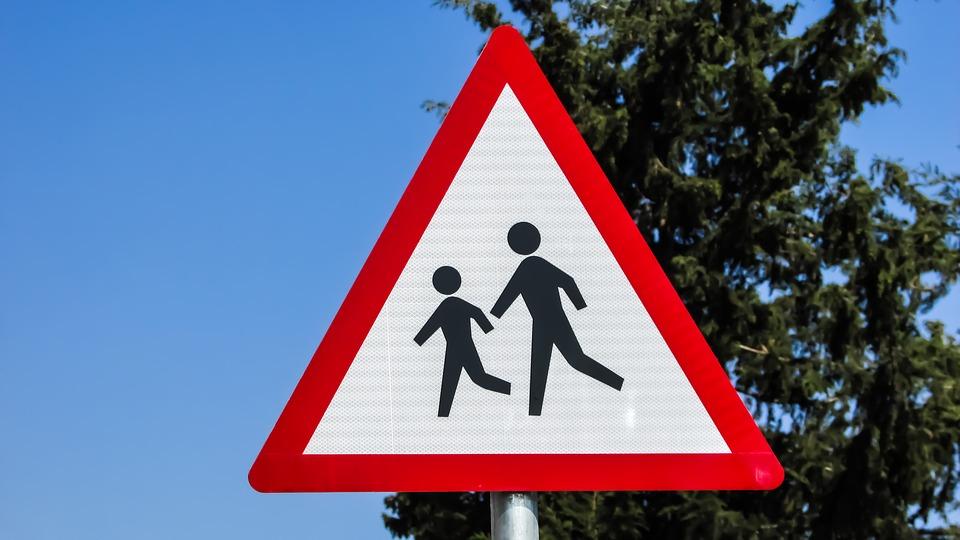 Los tres conceptos básicos en seguridad vial que debes enseñar a tus hijos