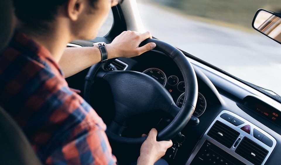 La importancia del chequeo previo del vehículo antes de ir al trabajo